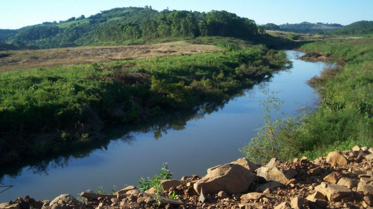 Água do Rio das Flores: de olho no futuro da segurança hídrica do Estado