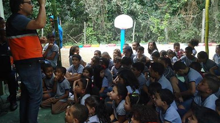 Defesa Civil recebe o apoio da Reserva Biológica Estadual de Araras na #QueimadaNão
