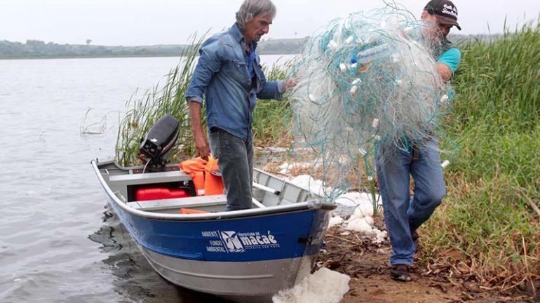 Dois mil metros de rede de pesca apreendidos na Lagoa de Imboassica