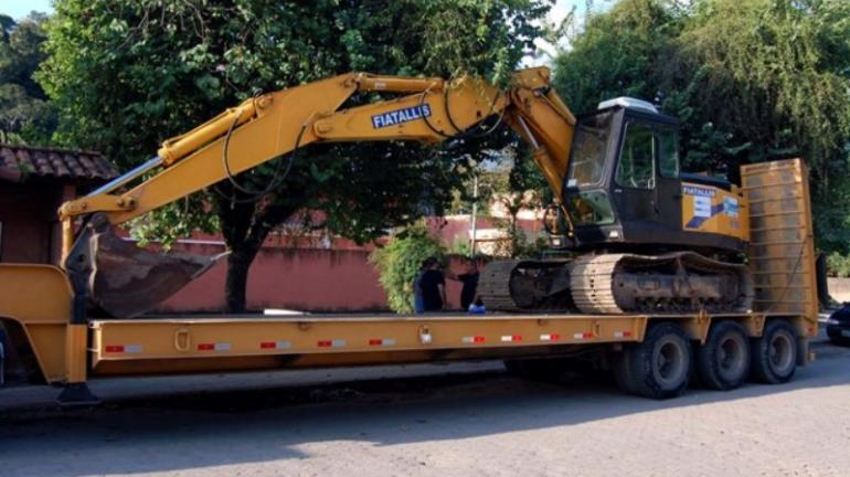 """Programa """"Limpa Rio"""" começa a ser executado em Amparo"""