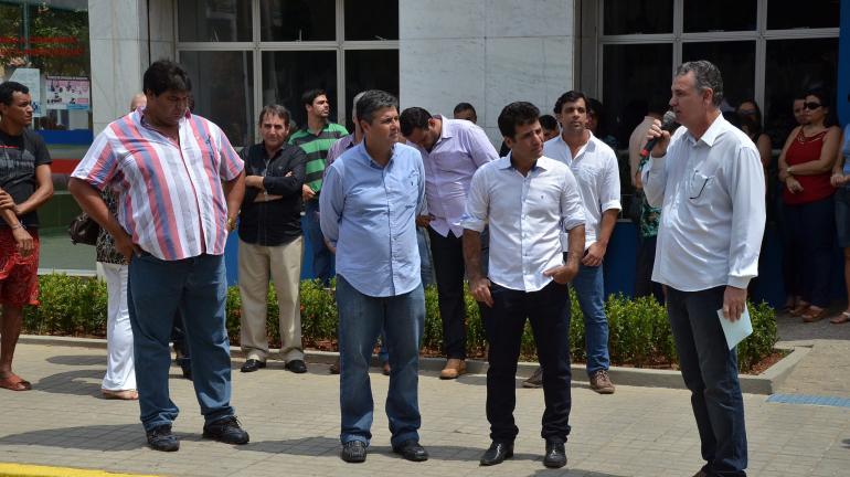 Secretário André Corrêa visita municípios de Carmo e Cordeiro