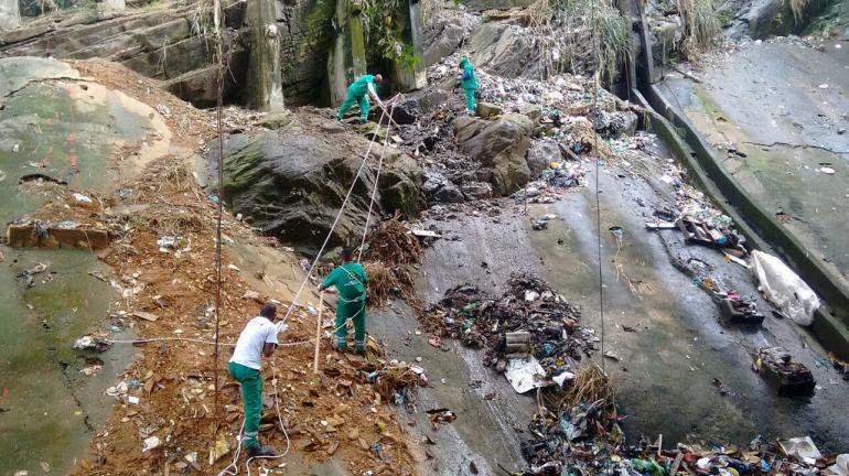 Secretário do Ambiente lança Projeto de Olho no Lixo, na comunidade da Rocinha, Zona Sul do Rio