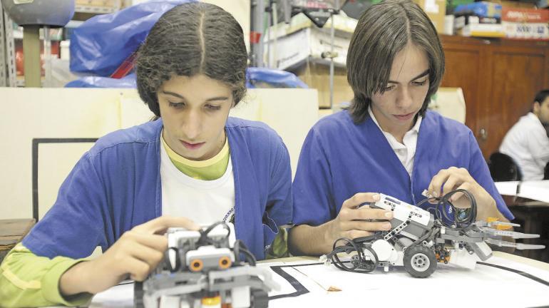 FAETEC oferece mais de 2 miil vagas em cursos gratuitos