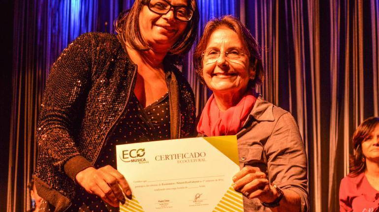 Niterói EcoCultural certifica alunos da rede pública