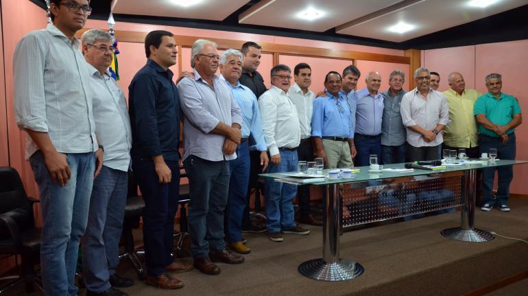 Convênio para limpeza de canais e recuperação de comportas é assinado em Campos, no RJ