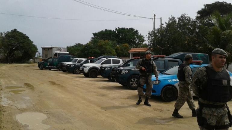 Operação conjunta é realizada para coibir invasões nos distritos de Arraial do Cabo