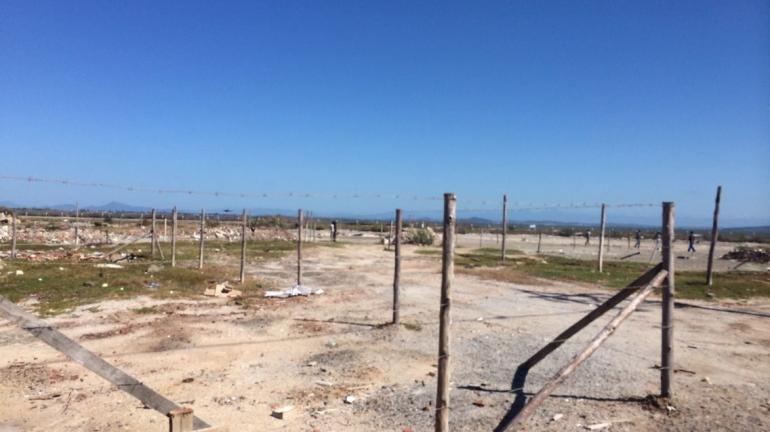 Instituto Estadual do Ambiente e Prefeitura de Arraial do Cabo realizam operação de desapropriação de casas em área ambientalmente protegida