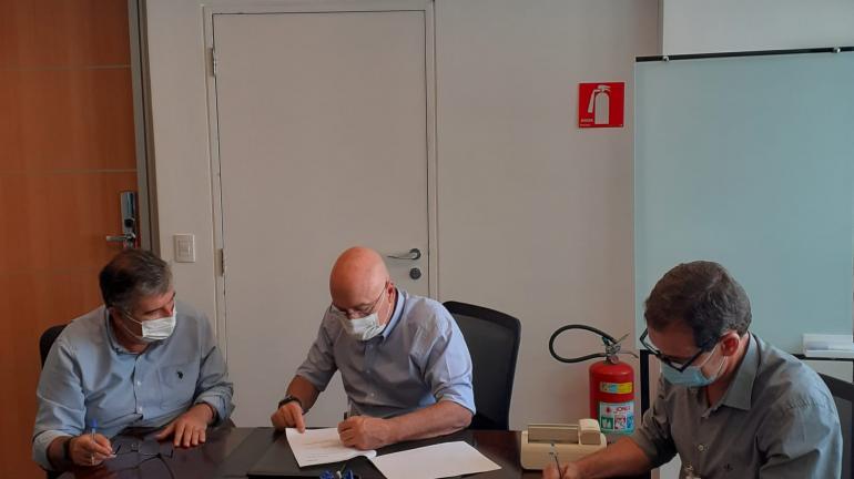 Assinada parceria viabilizando a reabertura do Teatro Municipal Rosinha de Valença