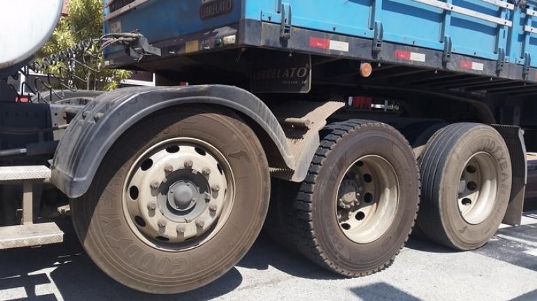 Projeto regulamenta tráfego de veículos pesados em rodovias e estradas estaduais