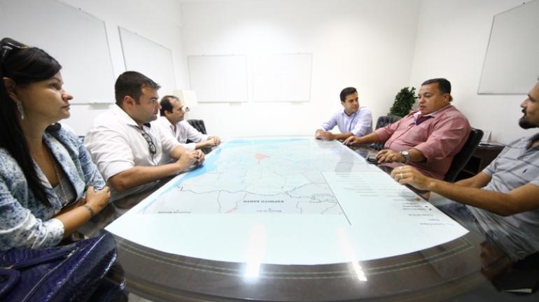 Prefeito de Campos conhece projeto de gestão de resíduos sólidos do estado