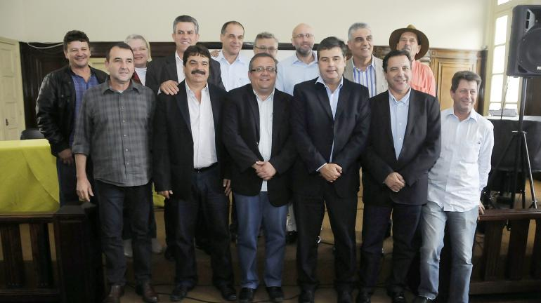 Encontro com prefeitos e secretários de Saúde discute soluções para o setor no Centro-Norte Fluminense