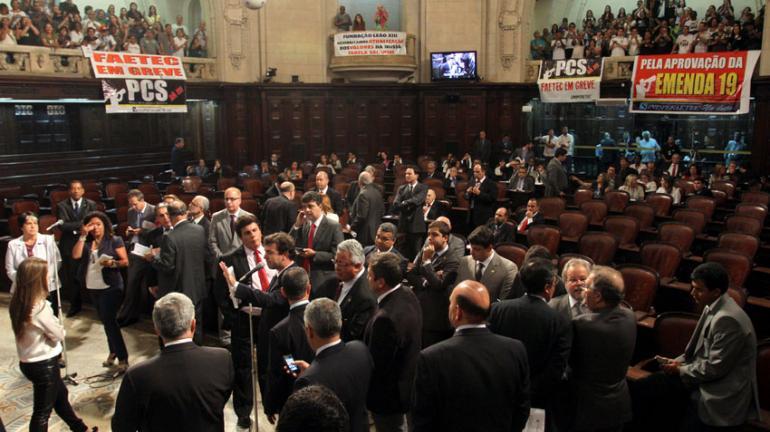 Estado apresenta projeto de lei do orçamento 2014 na Alerj