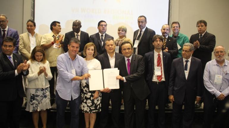 Líderes de 44 regiões do mundo assinam acordo para adoção de medidas de adaptação ao aquecimento global