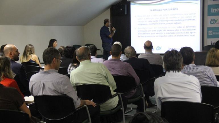 Inea promove workshop pela preservação do boto-cinza na Baía de Sepetiba