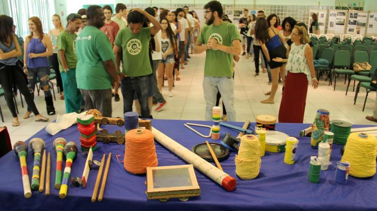 Projeto De Olho no Lixo leva música e moda à PUC-Rio