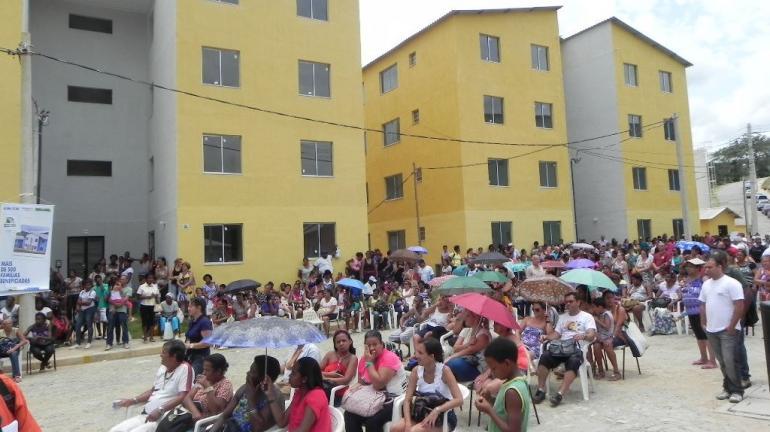 """Moradores de Valença recebem a chave dos seus imóveis do """"Minha Casa, Minha Vida"""""""