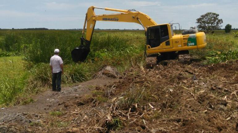 Desobstrução no Canal do Vigário vai beneficiar 500 famílias