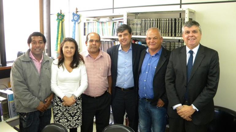 André Corrêa articula antecipação de pagamento dos salários dos 340 ex-funcionários da Ferreira Guimarães