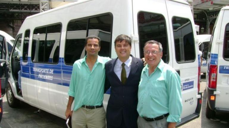 André Corrêa participa de entrega de vans adquiridas com recursos de emendas ao orçamento