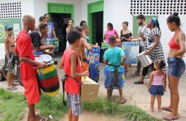 Ecomoda e Funk Verde do  Projeto De Olho no Lixo – Baia de Guanabara chegam à comunidade Roquete Pinto, em Ramos