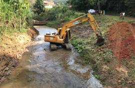 Prefeitura de Trajano de Moraes cria piscina natural após recuperar área