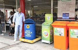 Escolas municipais ganham pontos de coleta de óleo de cozinha usado