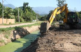 Programa Limpa Rio realiza obra de combate a enchentes em Magé