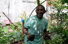 Programa Ambiente Solidário, da Secretaria de Estado do Ambiente, cria horta comunitária