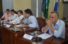 Saulo Corrêa comemora aprovação unânime da proposta de redução de 50% dos cargos Câmara de Valença