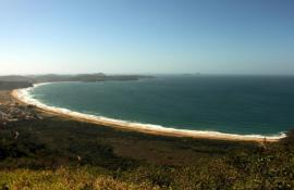 Parque Estadual da Costa do Sol ganha trilha das Emerências que leva à rampa de voo livre