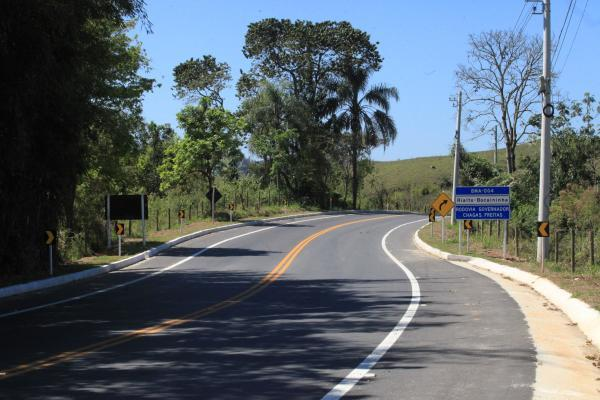 Estado Inaugura Obras em Estrada de Barra Mansa