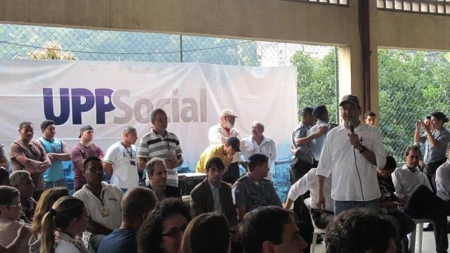 Moradores do Complexo da Maré são beneficiados com Ação Social