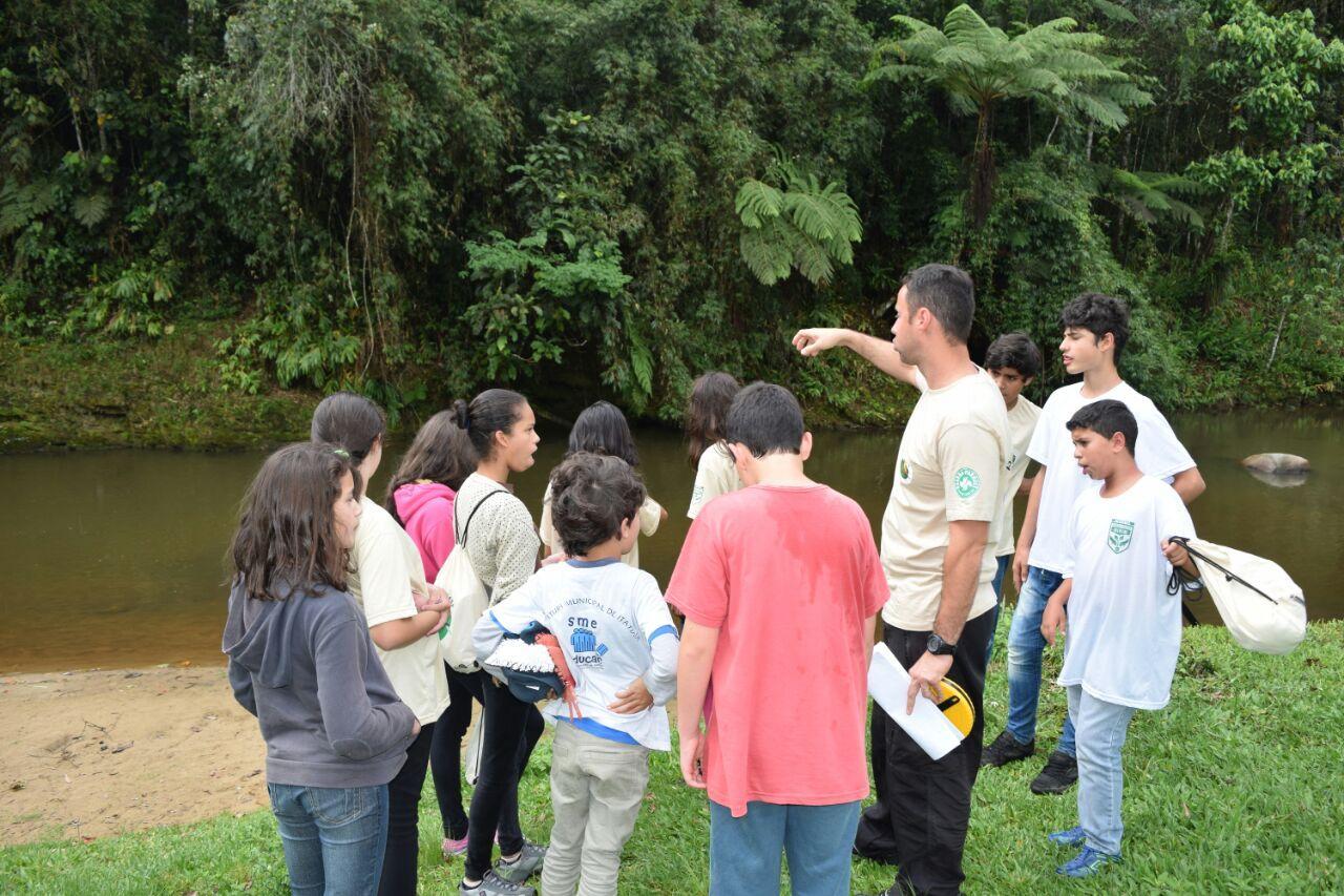 Guarda-parques mirins aprendem noções de legislação ambiental no Parque Estadual Pedra Selada