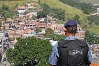 Pezão: Investimentos contribuíram para queda da criminalidade em áreas com UPPs