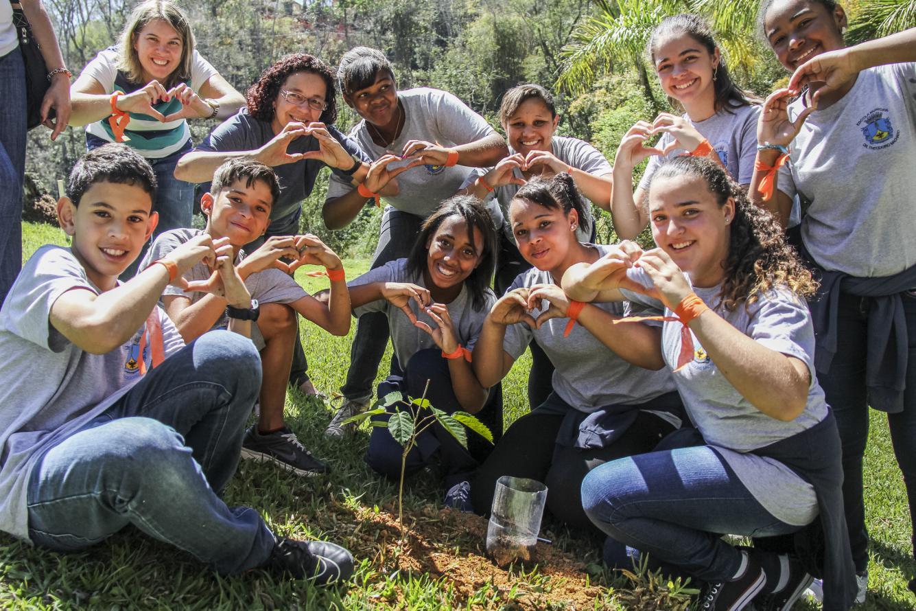 Dia da Árvore mobiliza centenas de estudantes em Petrópolis e Cachoeiras de Macacu