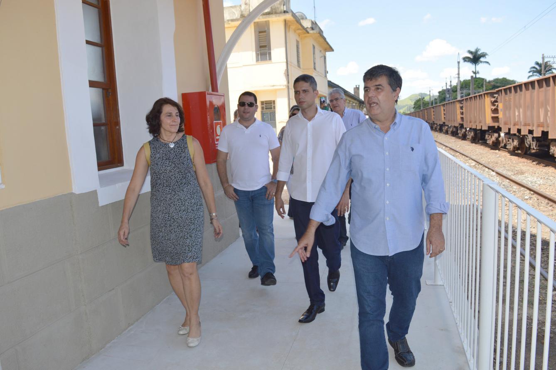 Governo restaura duas estações ferroviárias em Valença