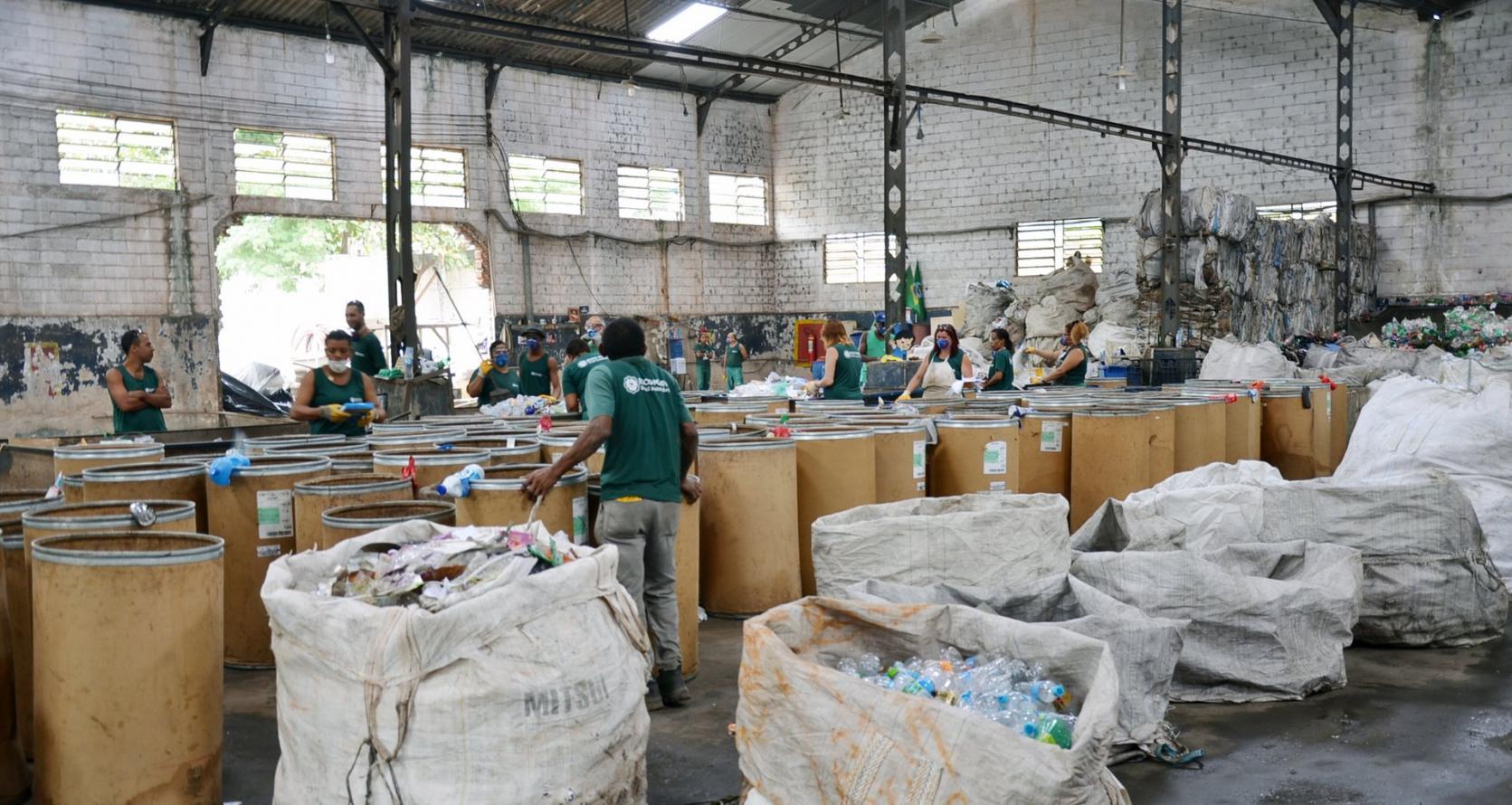"""Catadores de lixo do Rio de Janeiro: """"As pessoas cuspiam em nós, mas agora estamos nos Jogos Olímpicos"""""""