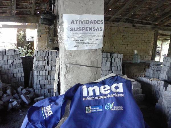 Inea interdita quatro serrarias de pedras ornamentais em Santo Antonio de Pádua