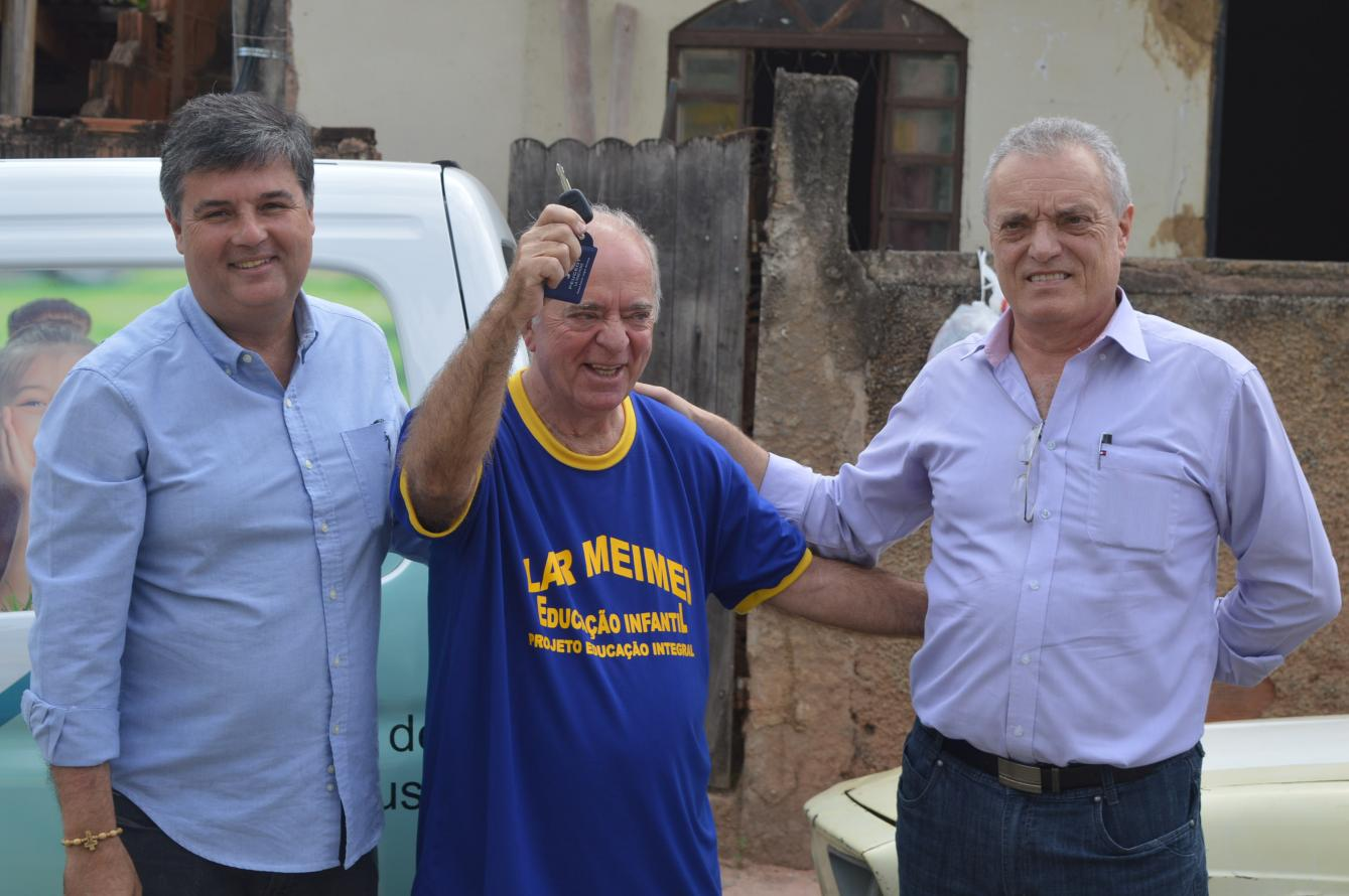 Valença Eco-Óleo ganha van para recolhimento de óleo por meio de ação do deputado André Corrêa