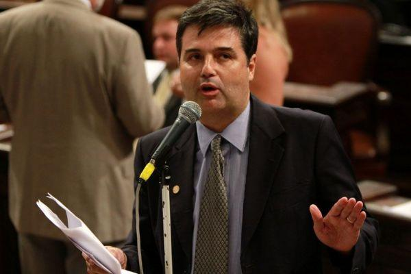 André Corrêa aprova Lei Complementar que cria Auditor Fiscal estadual