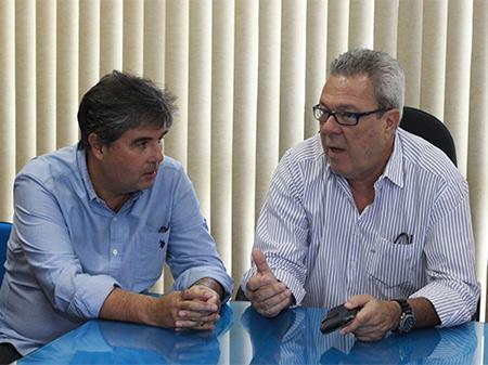 DEPUTADO ESTADUAL ANDRÉ CORRÊA VISITA CANTAGALO E GARANTE LUTAR POR MAIS RECURSOS PARA O MUNICÍPIO