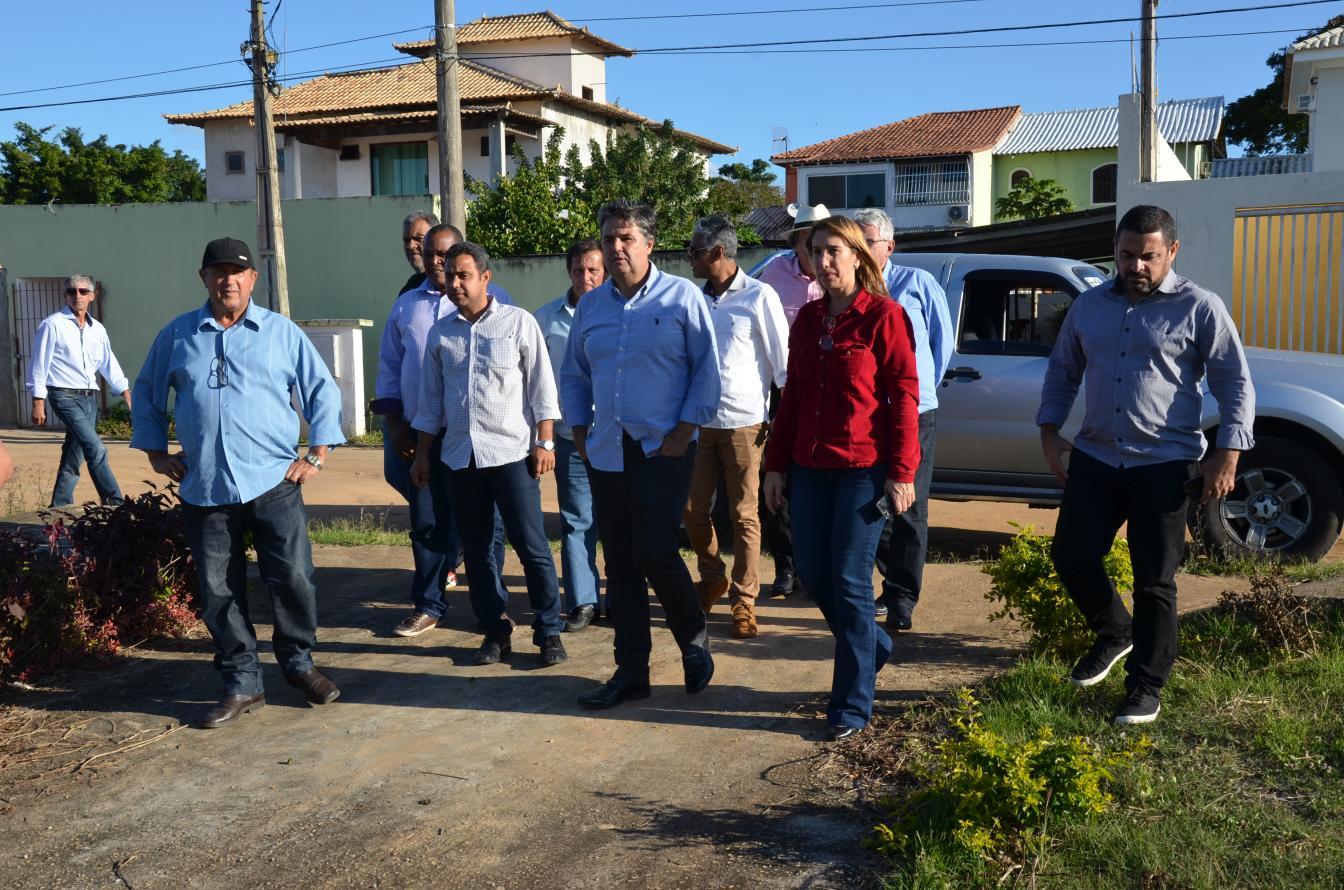 Prefeitura e Estado acompanham limpeza do Canal Campos-Macaé