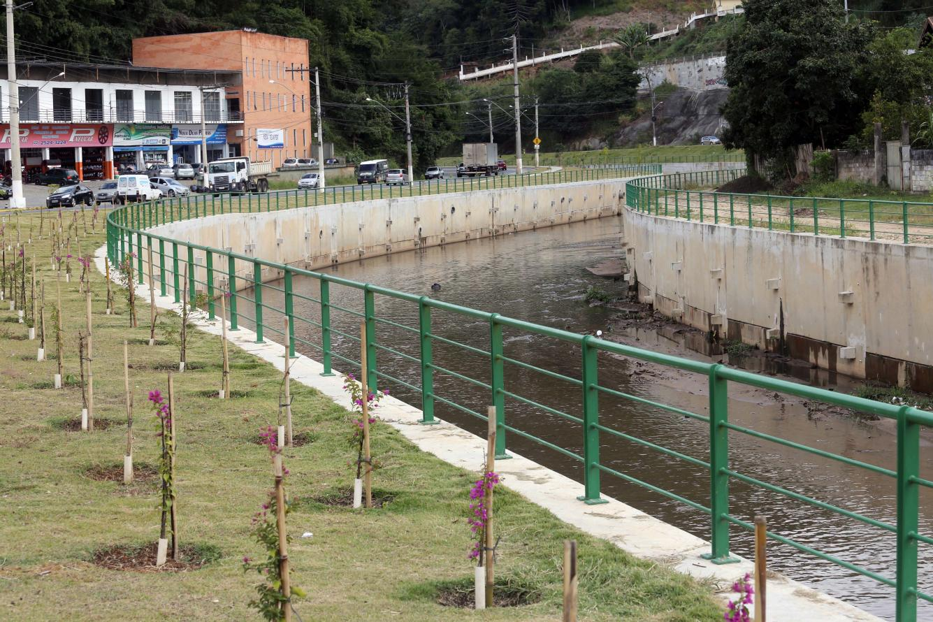 Rio Bengalas ganha obra de controle ambiental