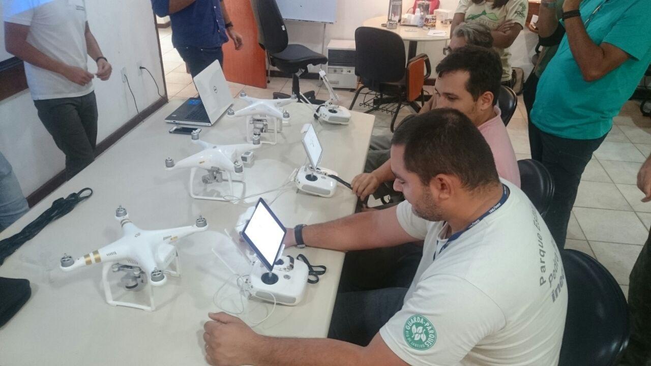 Guarda parques do Parque Estadual da Pedra Branca participam de curso de operador de drones