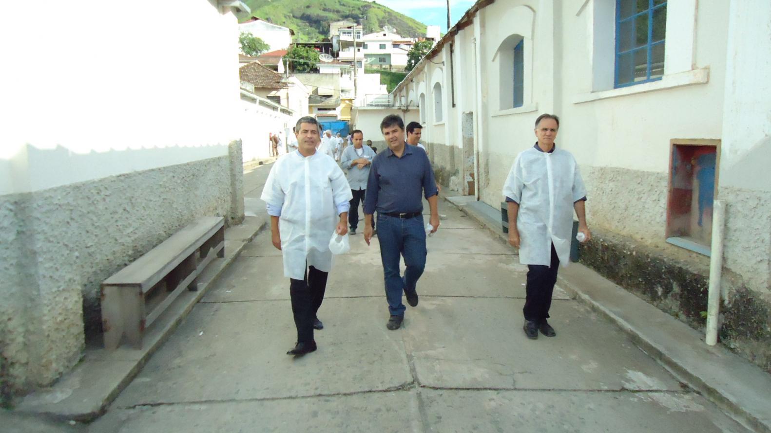 Deputado André Corrêa visita fábrica da Chinezinho em Valença