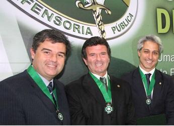 Andre Correa recebe homenagem na Defensoria Publica