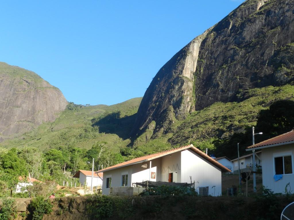 Inea promove reflorestamento na comunidade quilombola da Tapera, em Itaipava