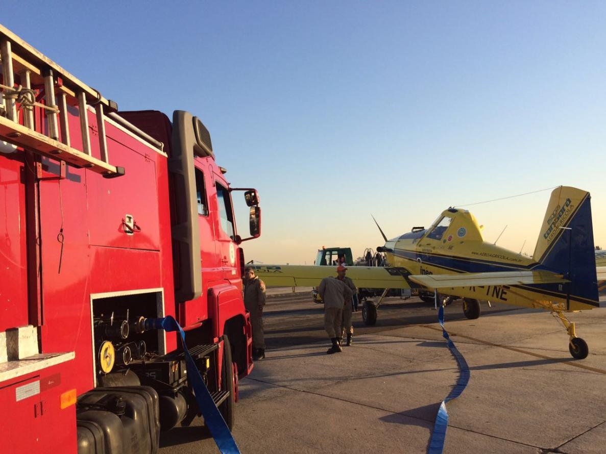Instituto Estadual do Ambiente e Corpo de Bombeiros combatem incêndio na Reserva Biológica Estadual de Guaratiba