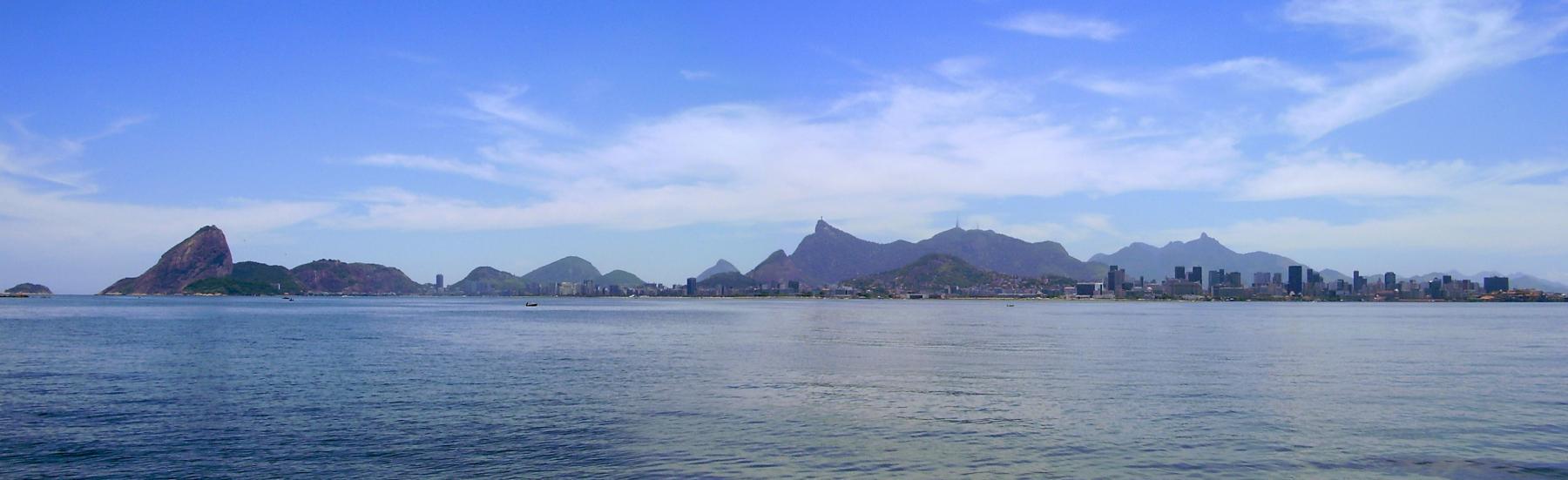 Despejo de óleo na Baía de Guanabara rende multas de R$ 350 mil