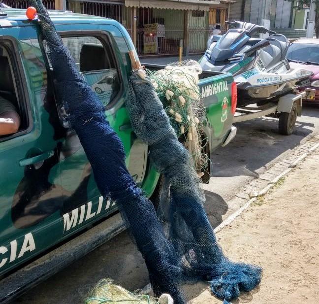 Combate aos pescadores que estão matando as tartarugas marinhas em Maricá leva 06 presos